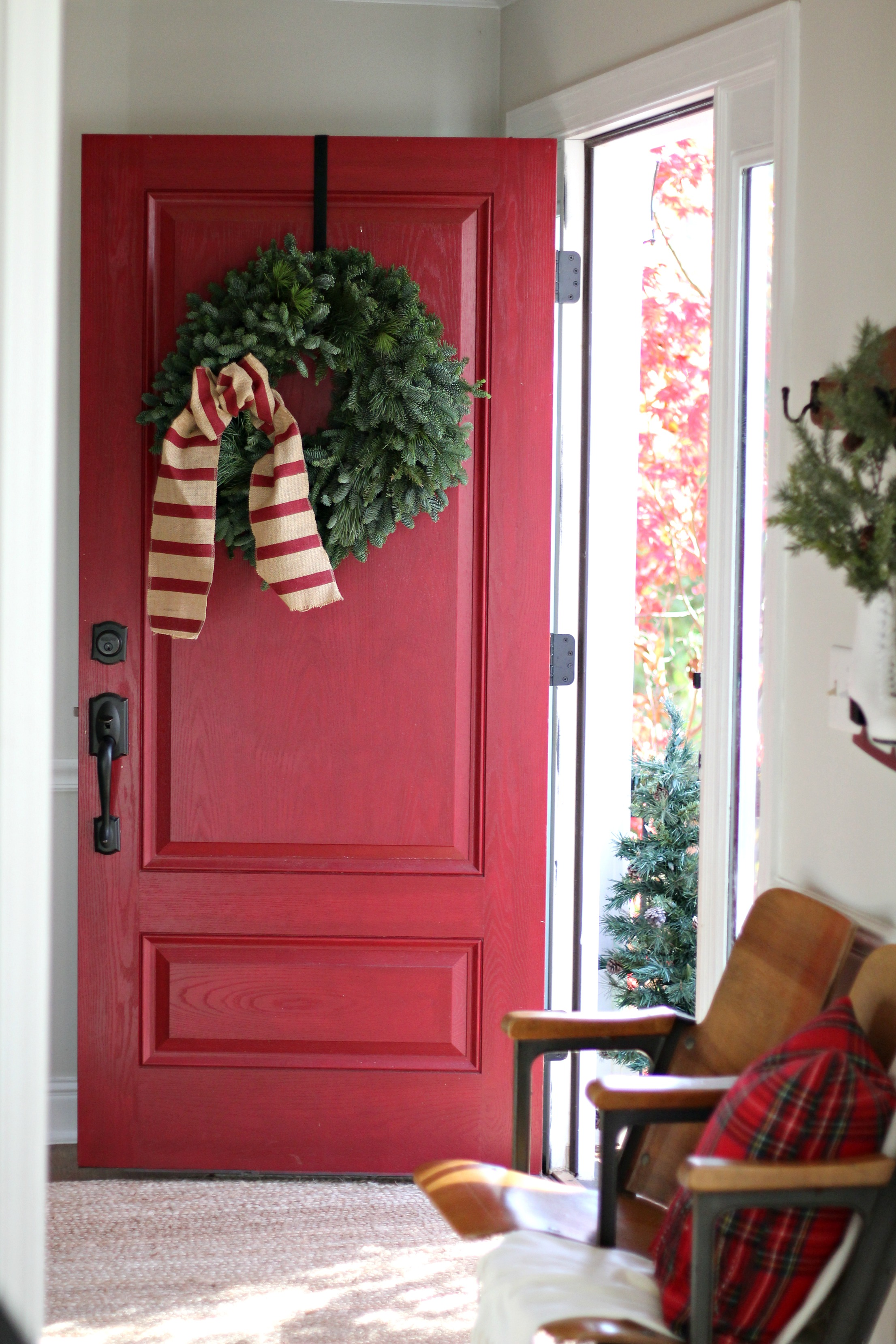 Christmas Colonial Entry Way
