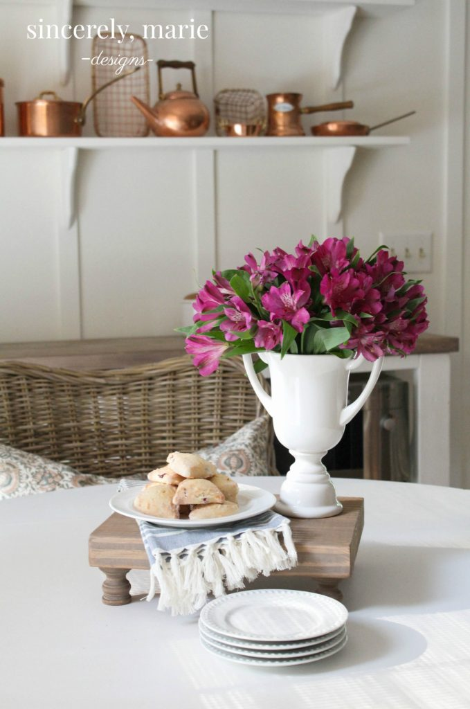 The easiest wooden tray ever