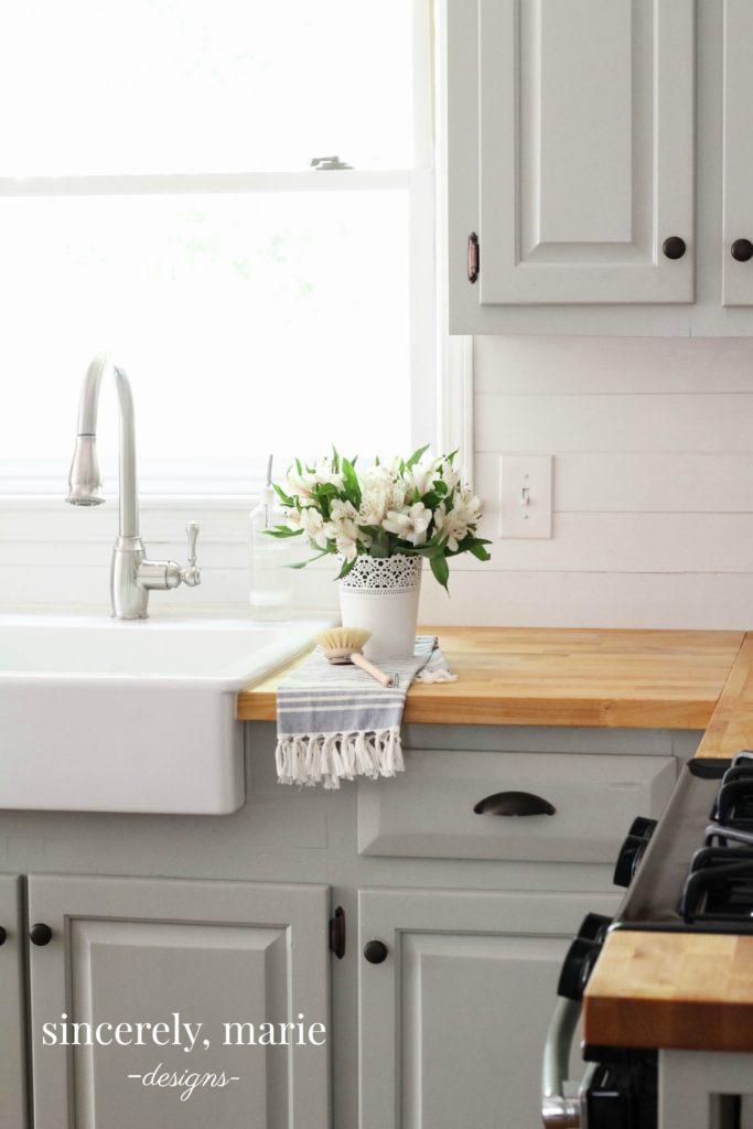DIY Kitchen Storage Shelf