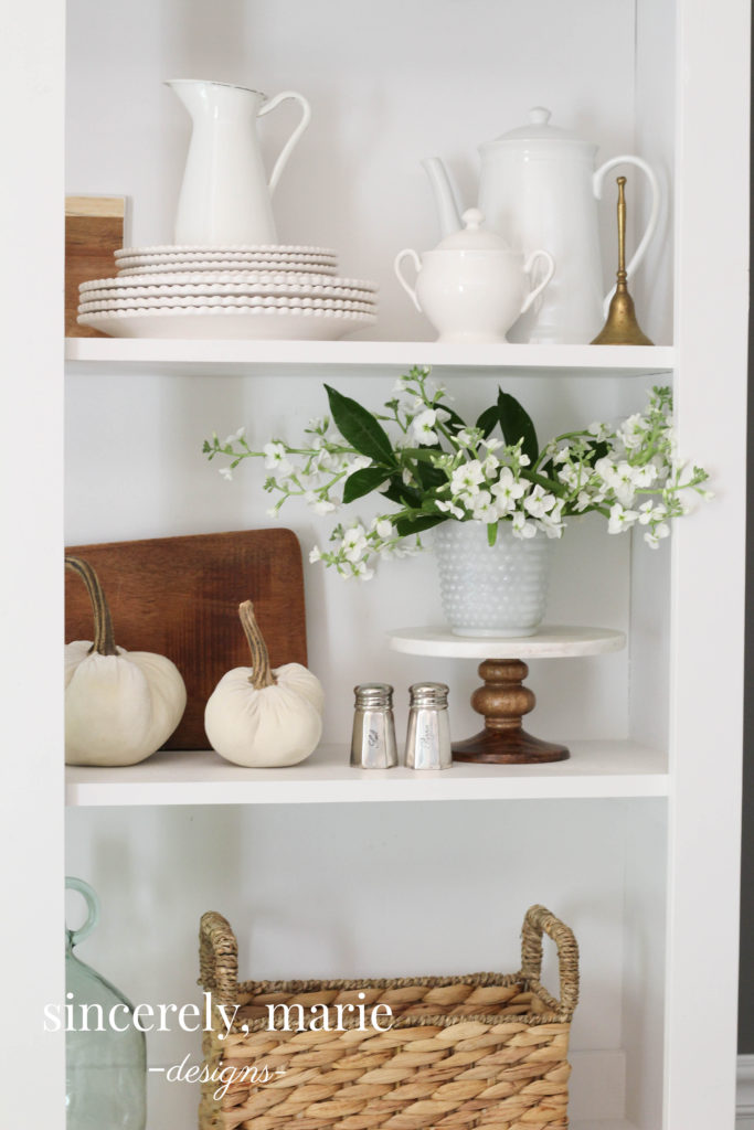 A Simple & Elegant Fall Vignette