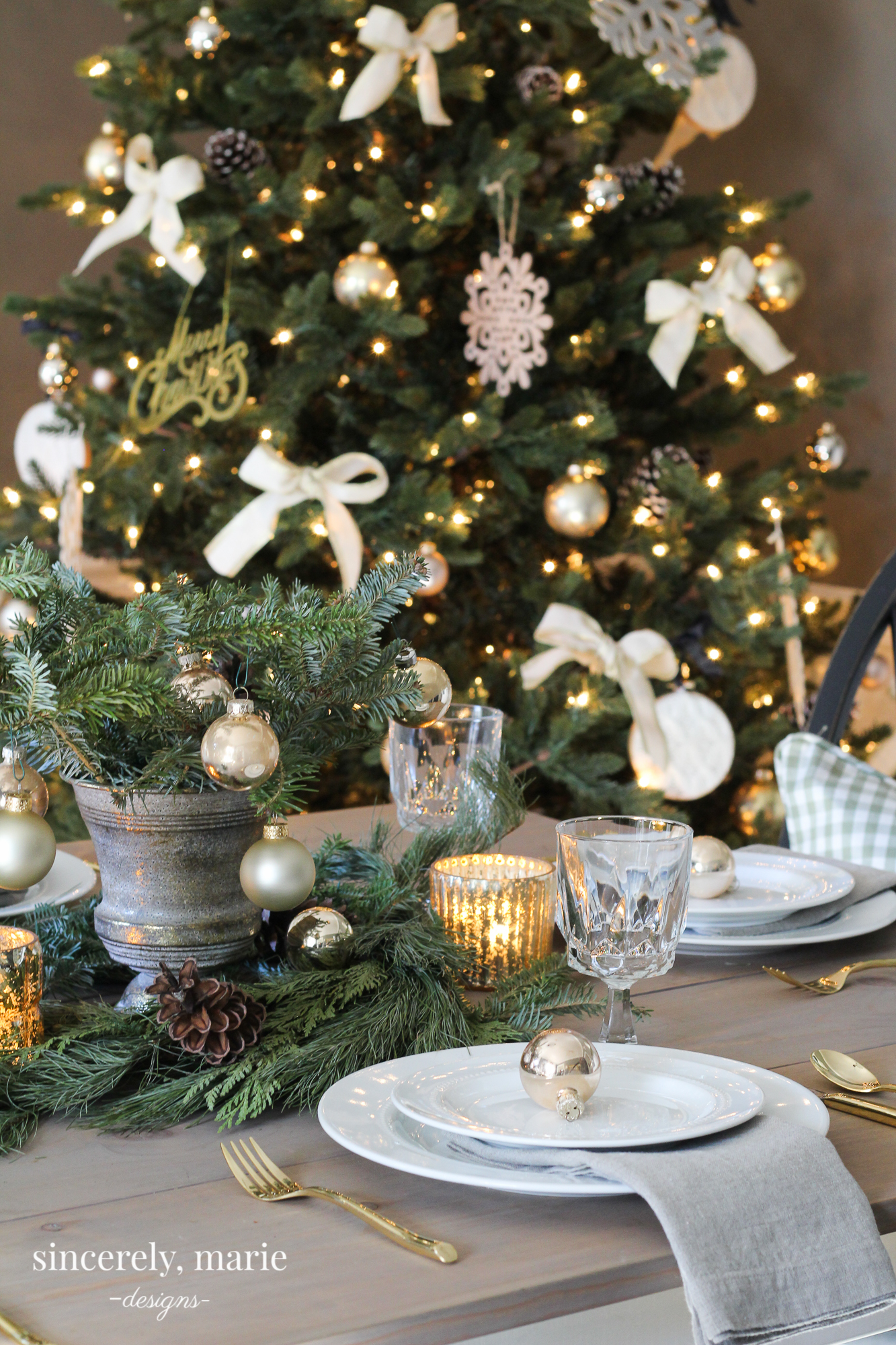 An Elegant Christmas Tablescape Sincerely Marie Designs