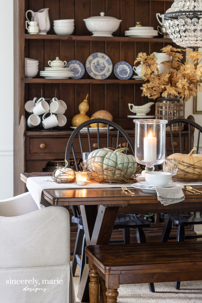 Nesting Pumpkin Tablescape For Fall