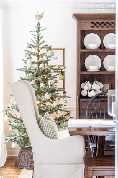 A Vintage Style Christmas Tree