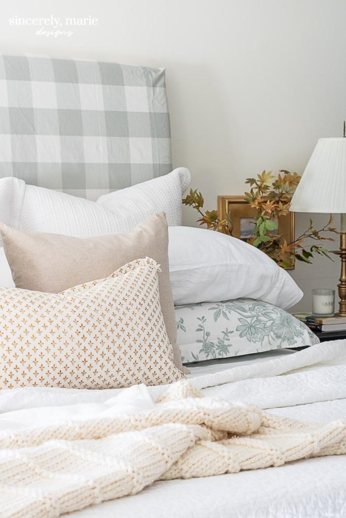 Minimalist Fall Bedroom