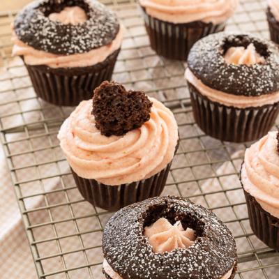 Strawberry & Chocolate Heart Cupcakes