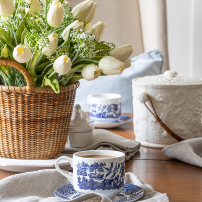 Easy Spring Table In The Breakfast Nook