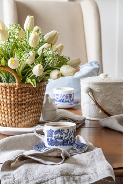 Easy Spring Table